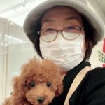 2/25岡山新幹線駅でお迎えのプードル女の子。